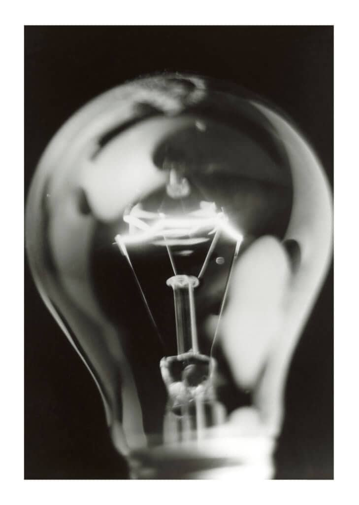 Peter Ginter Photography - FineArt-Print - The Bulb - Black and White